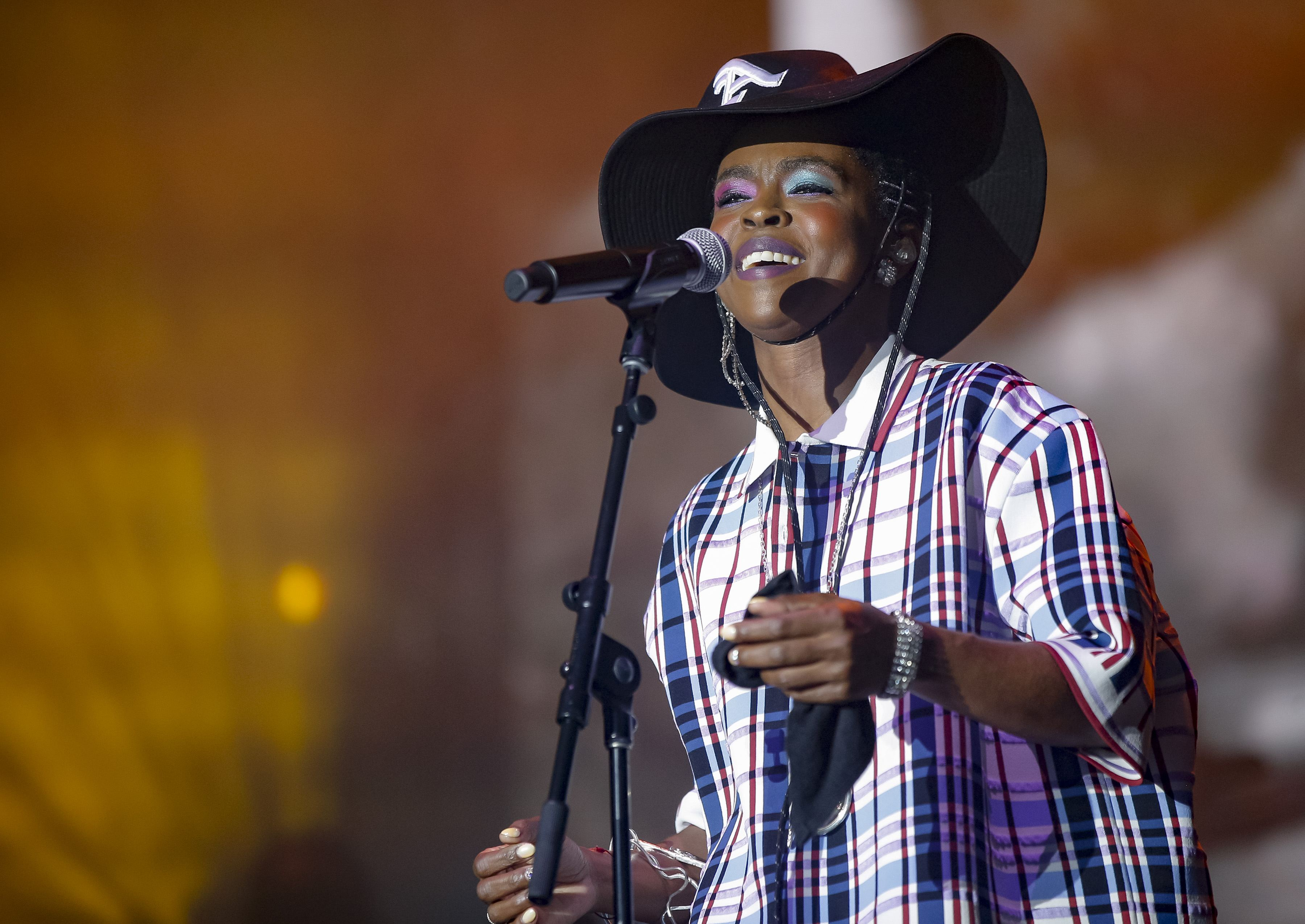 Lauryn Hill Is Reportedly Suing Her Cousin Over An Unpaid $65,000 Loan