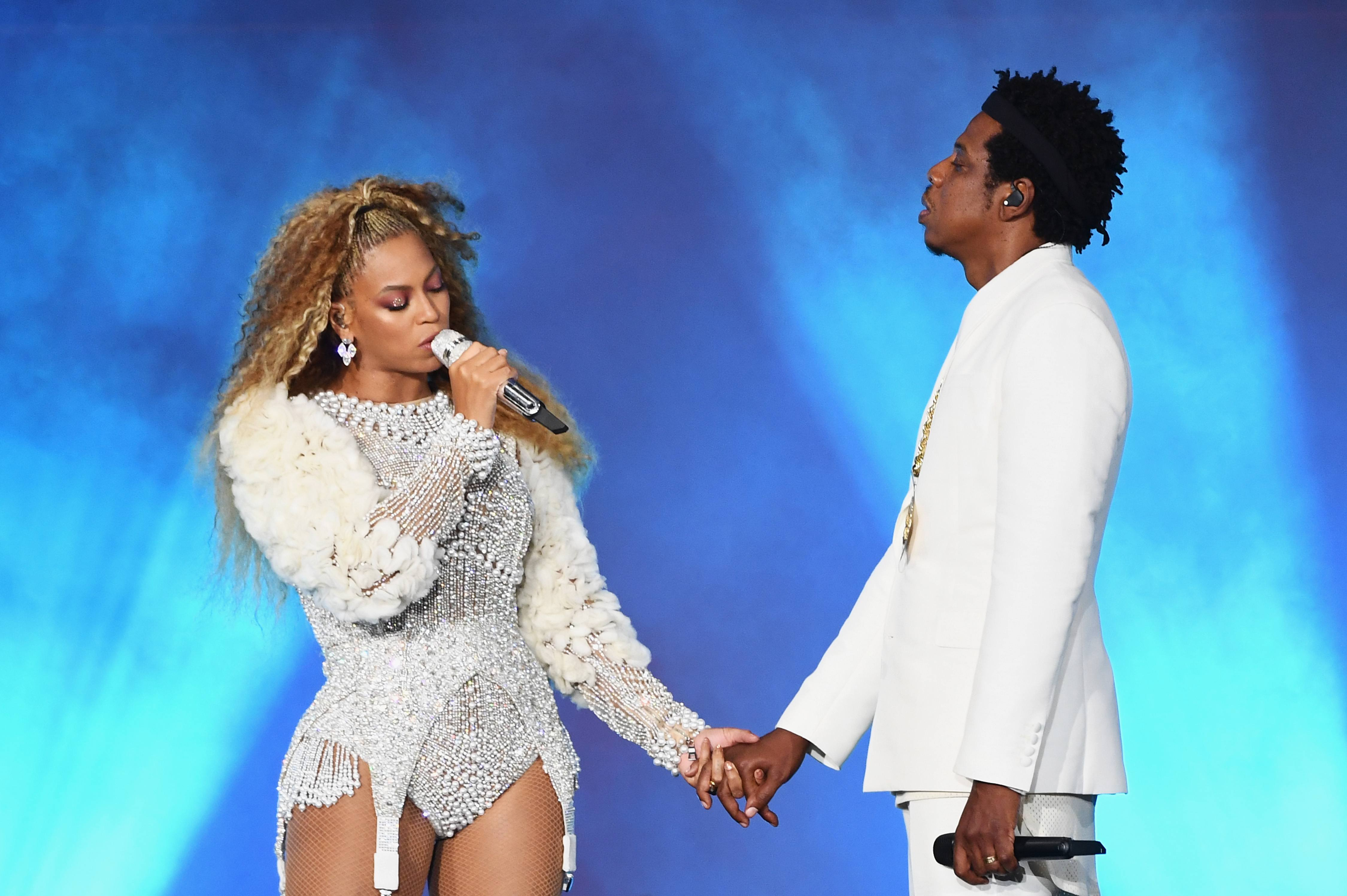 beyonc and jay z honored with the key to columbia south carolina the shade room. Black Bedroom Furniture Sets. Home Design Ideas