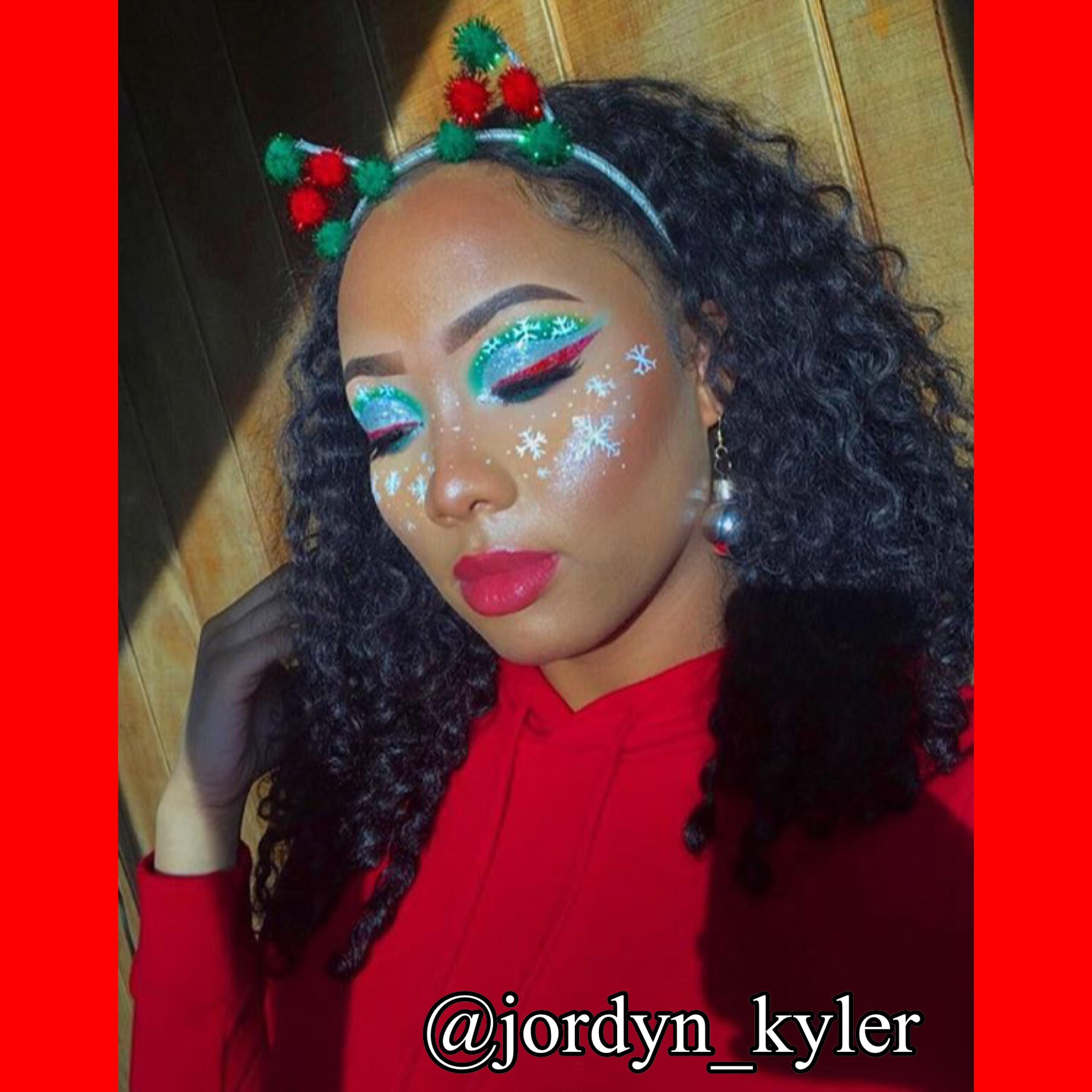 These Holiday Looks Will Get You In The Christmas Spirit