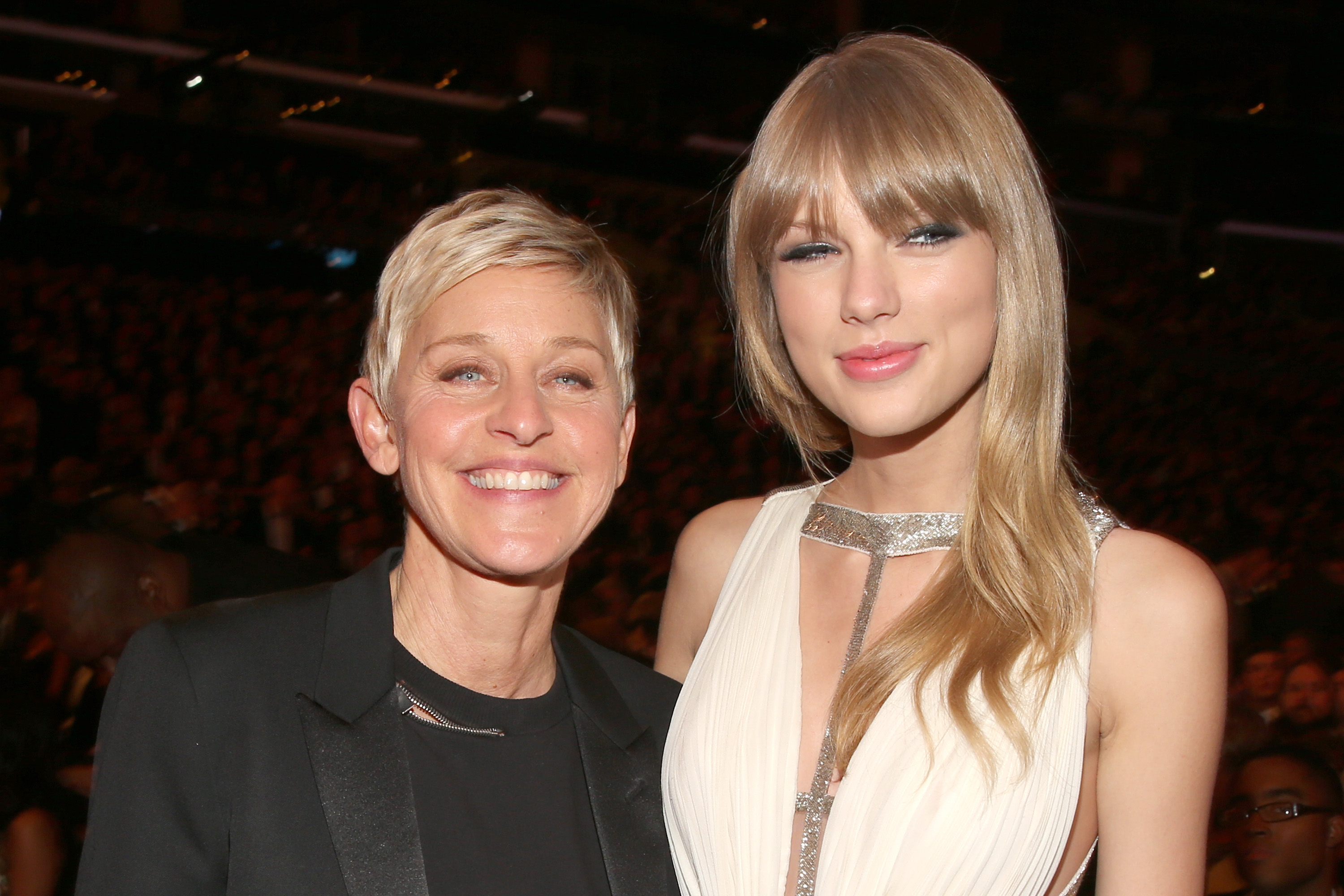 "Ellen Asks Taylor Swift If She Washes Her Legs When She Showers: ""I Do When I Shave My Legs 'Cause Shaving Cream Is Like Soap Right?"""