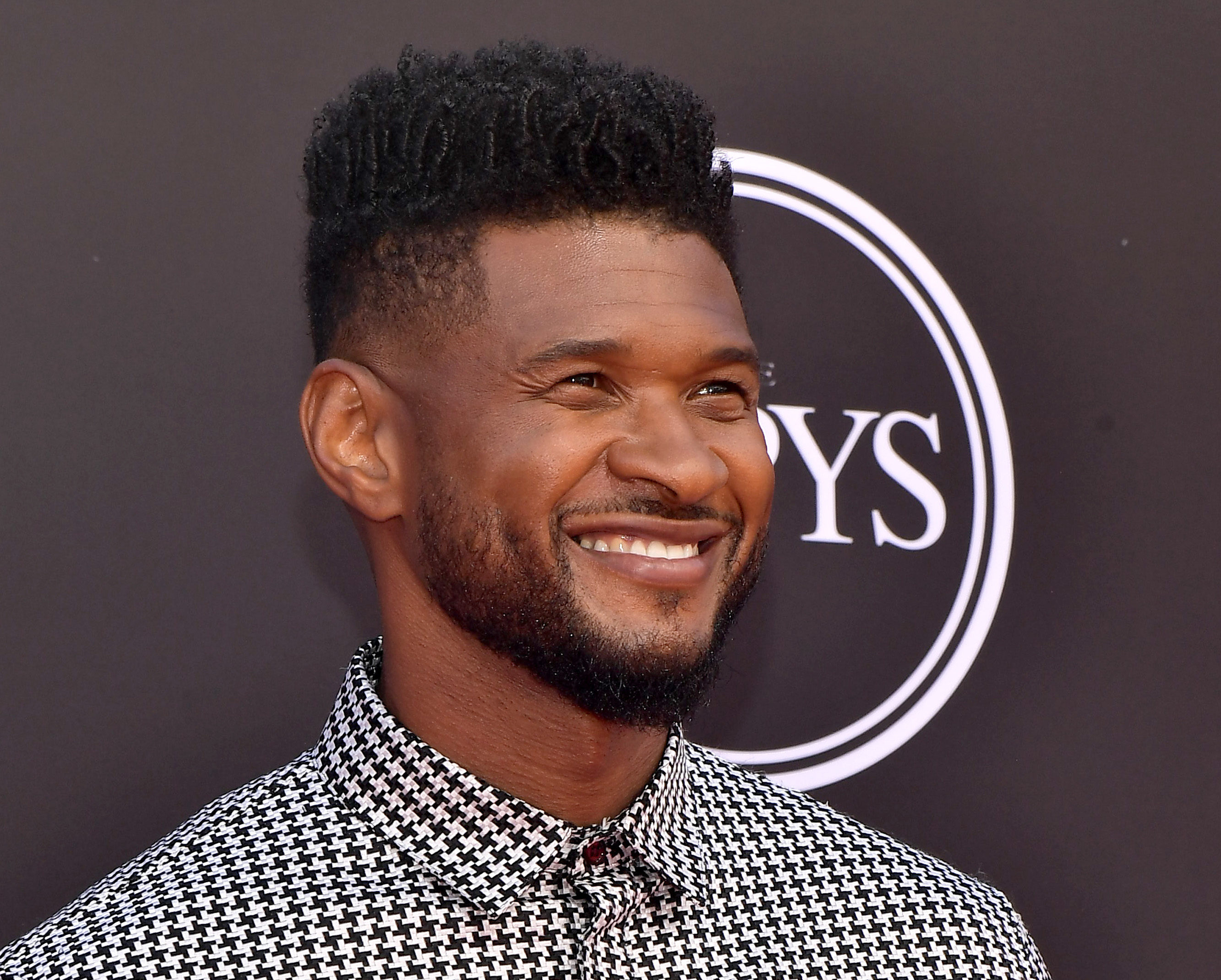 "Rep For Las Vegas Strip Club Says Usher Actually Spent Thousands On Dancers & Bottle Service—Fake ""Usher Bucks"" Were Left To Promote His Upcoming Vegas Residency"