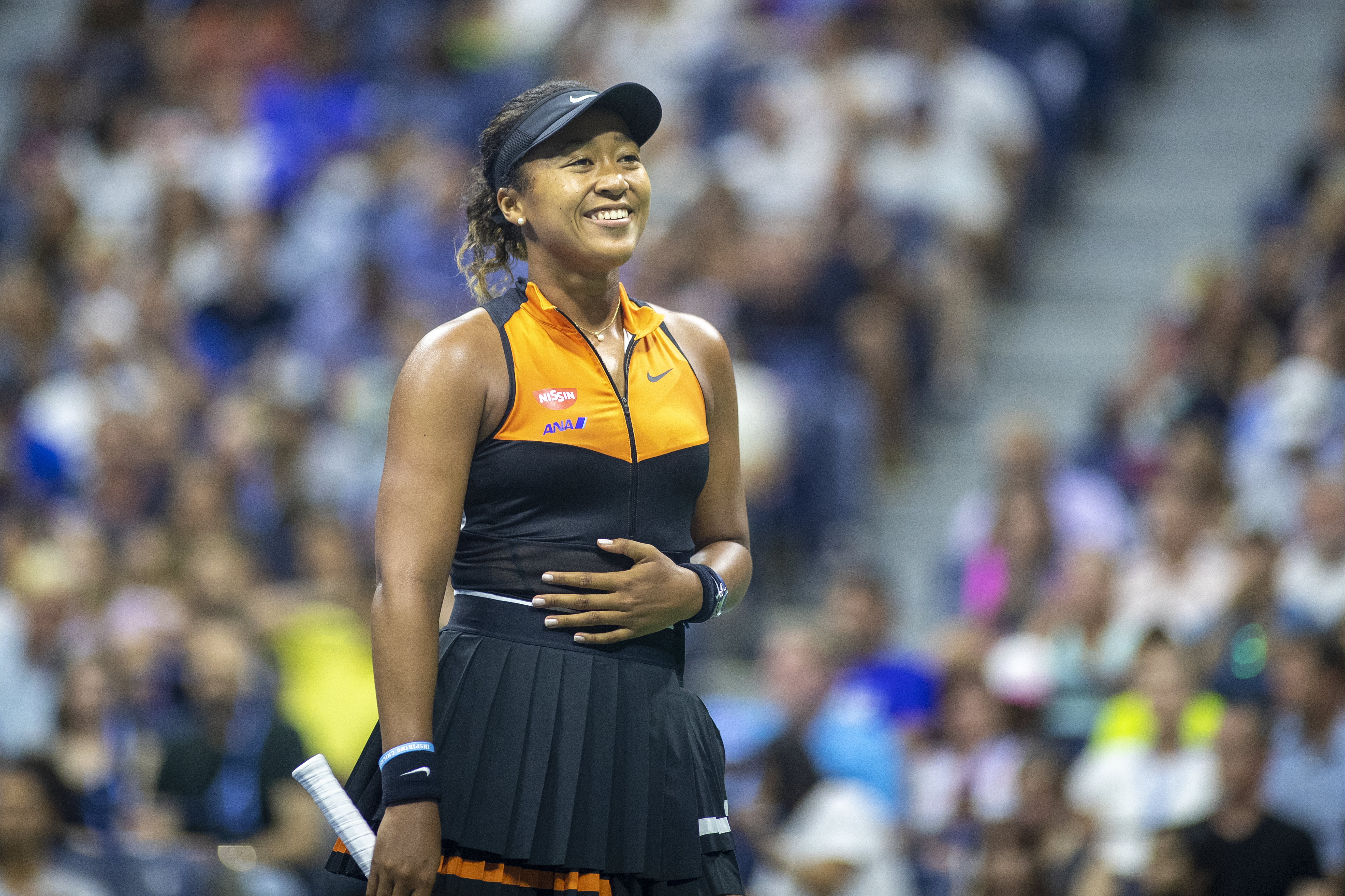 Naomi Osaka has made the decision to give up her U.S. citizenship so that she can represent Japn in the 2020 Olymics in Tokyo.