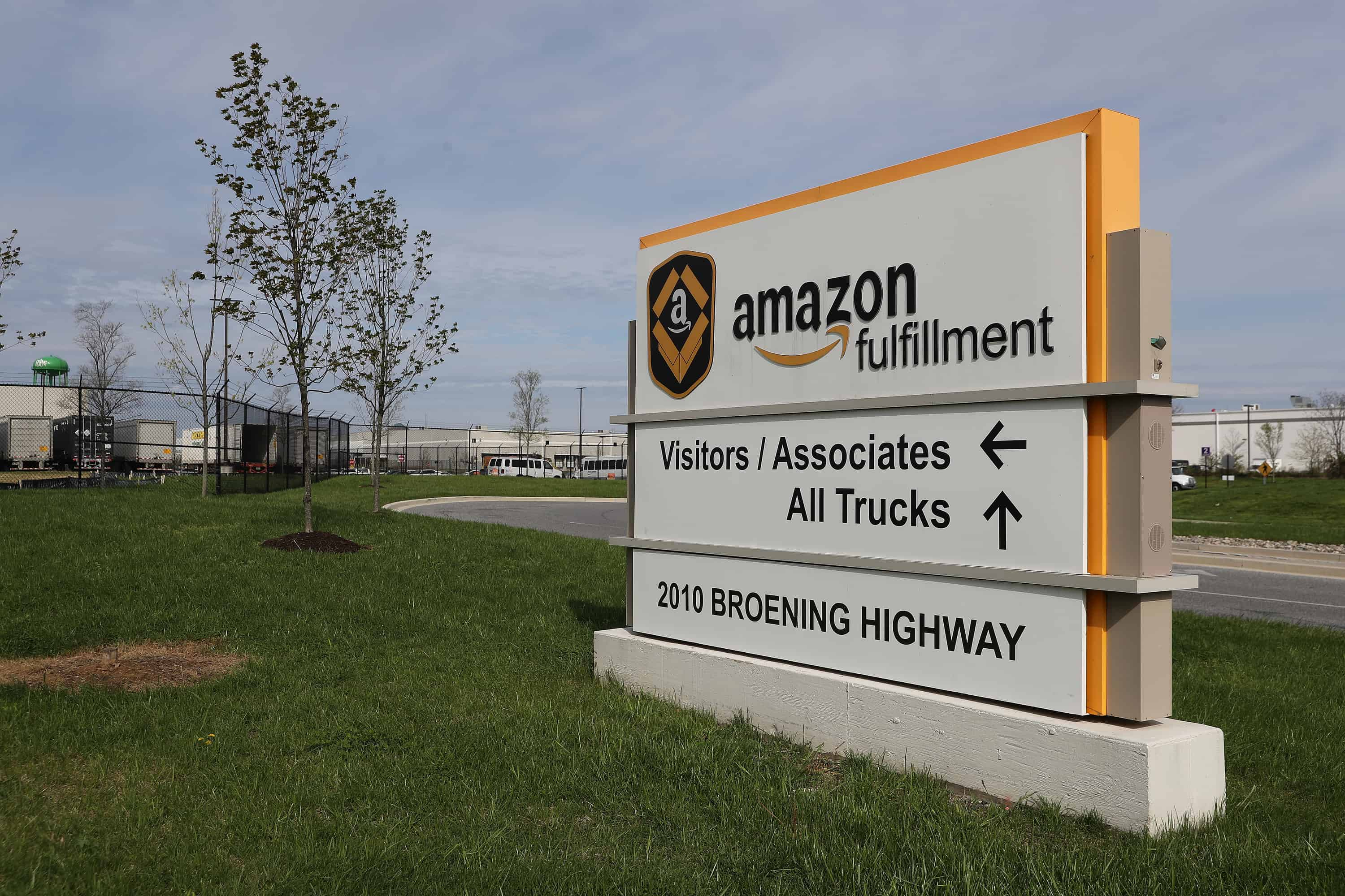 Over 300 Amazon Warehouse Workers Plan Nationwide Protest To
